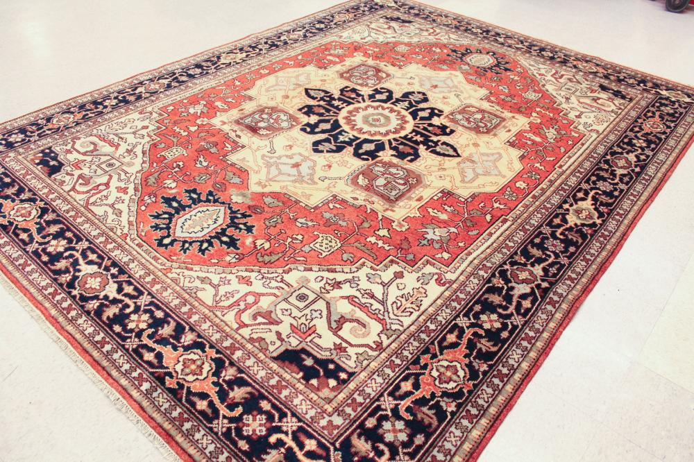 Lot 40: HAND KNOTTED ORIENTAL CARPET, Persian Serpi design