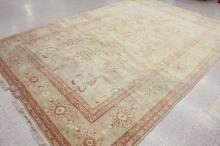 Lot 76: HAND KNOTTED ORIENTAL CARPET, Indo-Oushak, overall
