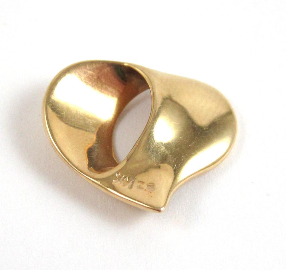 Lot 98: SIX ARTICLES OF FOURTEEN KARAT GOLD JEWELRY: 1.)