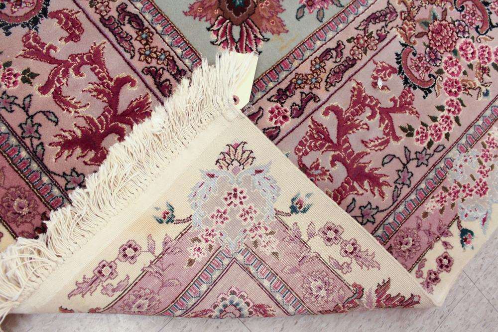 Lot 118: CONTEMPORARY ORIENTAL SILK-ACCENTED WOOL CARPET, C