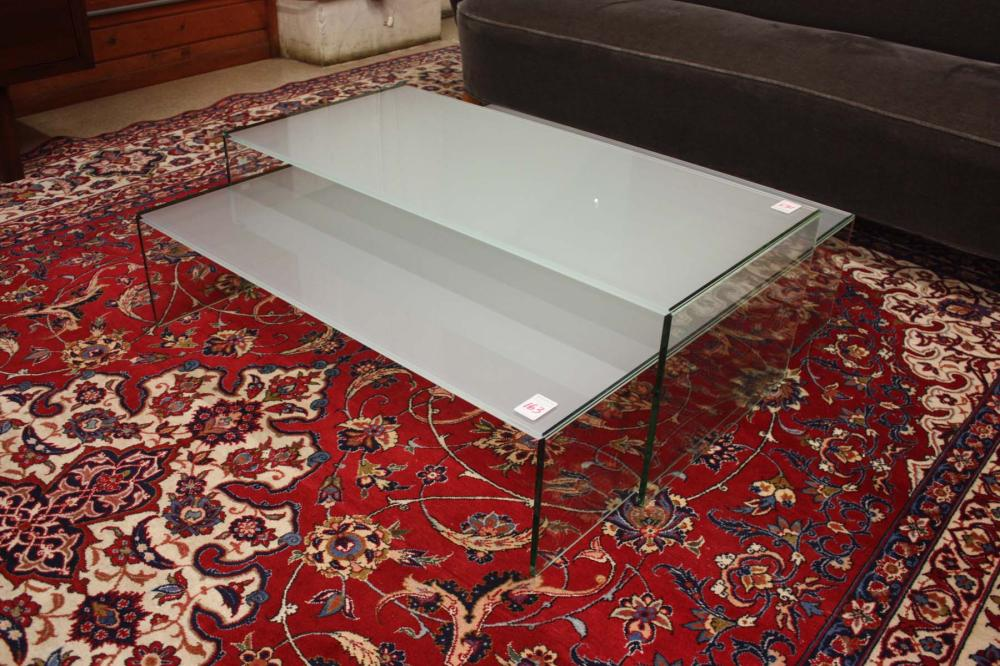 Lot 163: CONTEMPORARY TWO-PART 'POOL' GLASS COFFEE TABLE, N