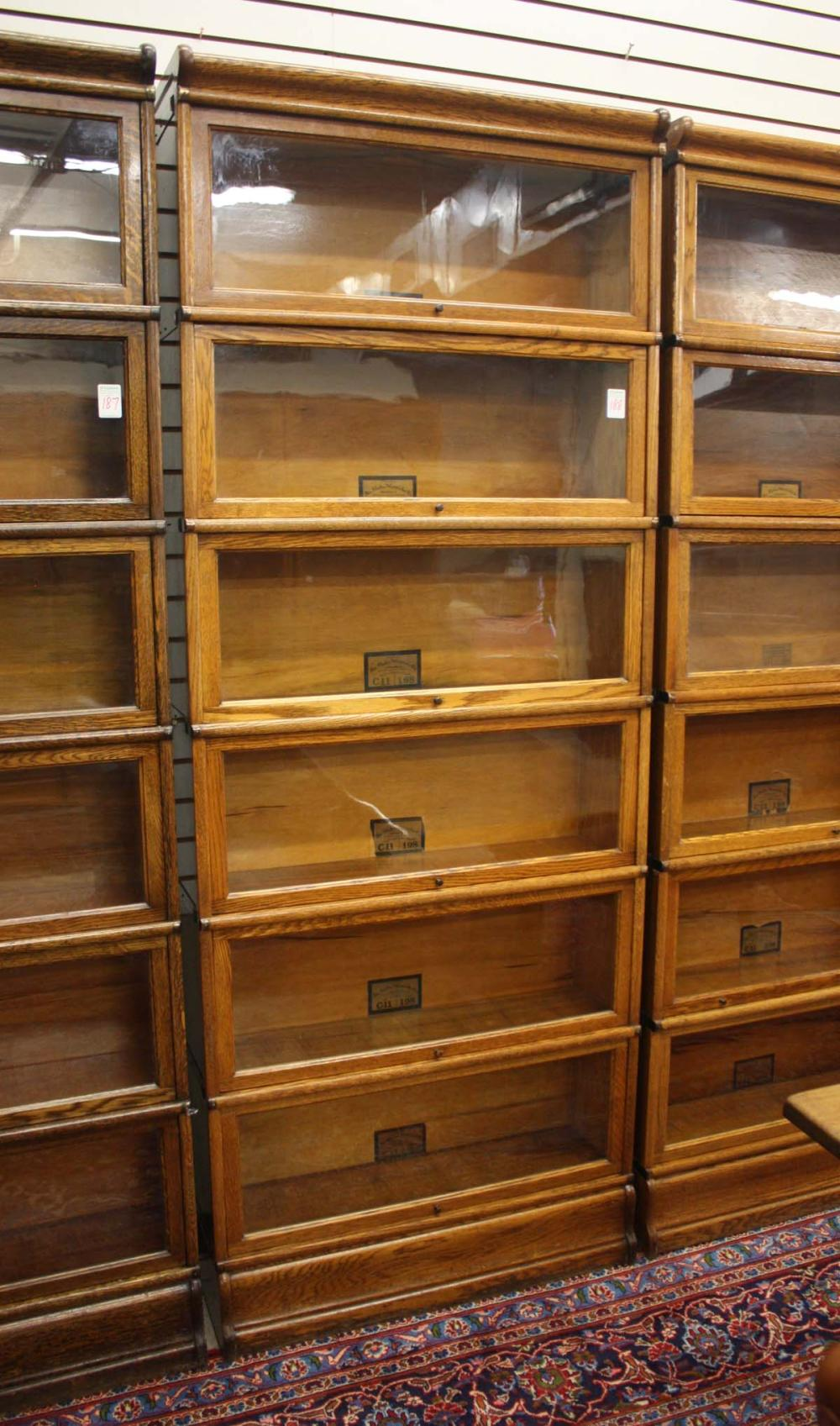 Lot 188: SIX-SECTION STACKING OAK LAWYER BOOKCASE, Globe-We