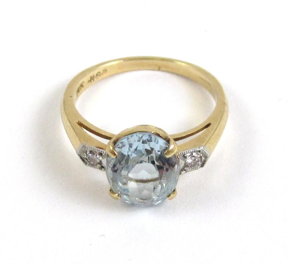 Lot 206: AQUAMARINE, DIAMOND AND FOURTEEN KARAT GOLD RING,