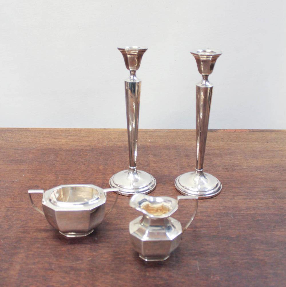Lot 277: FOUR STERLING SILVER TABLEWARE PIECES, comprised o