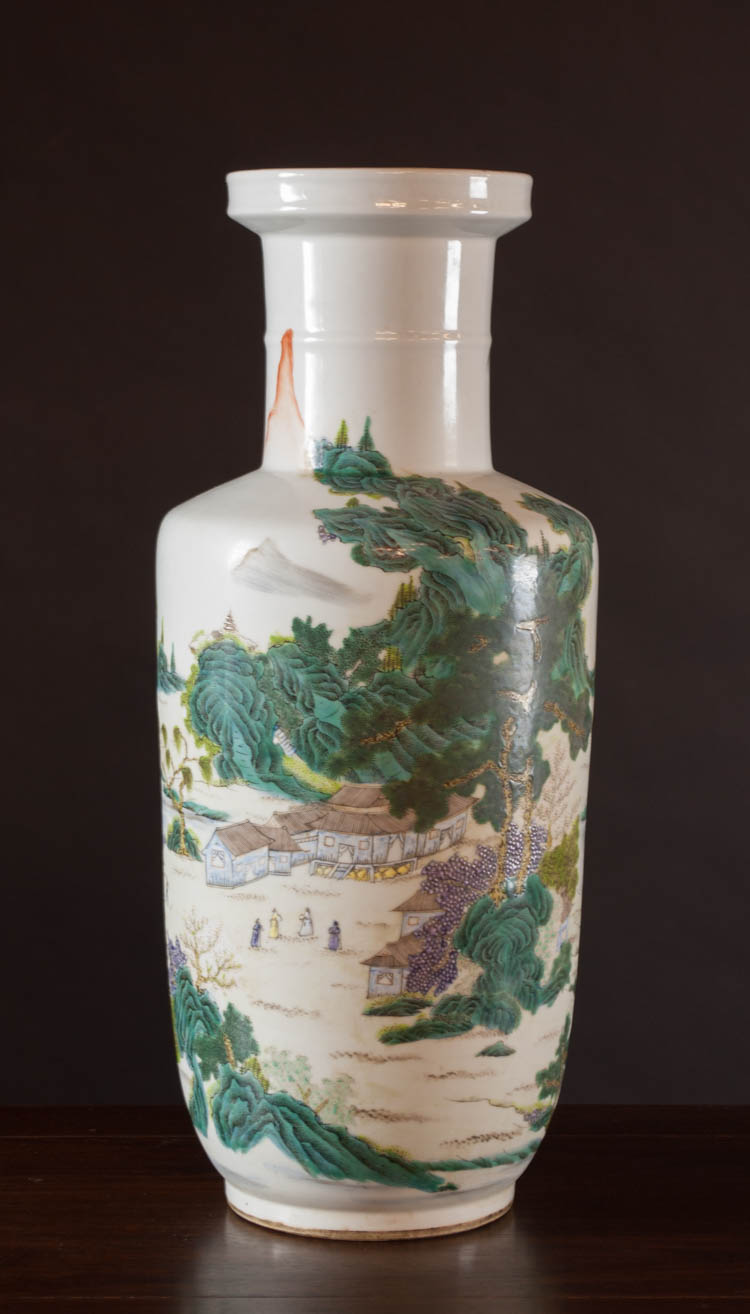 CHINESE QING STYLE FAMILLE ROSE PORCELAIN VASE dec