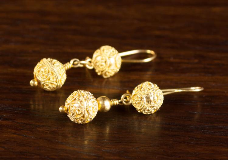 PAIR OF EIGHTEEN KARAT YELLOW GOLD EARRINGS, each