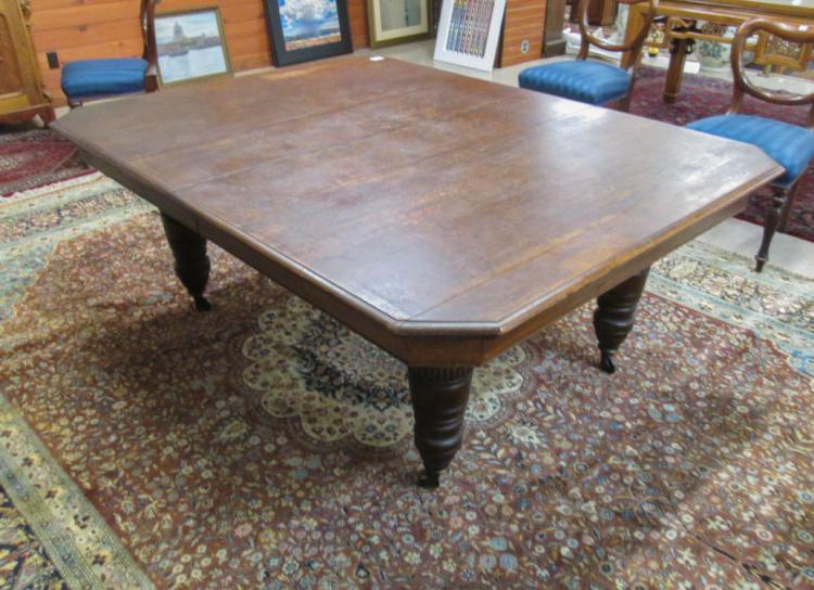 LARGE OAK BANQUET TABLE WITH TWO LEAVES, English,