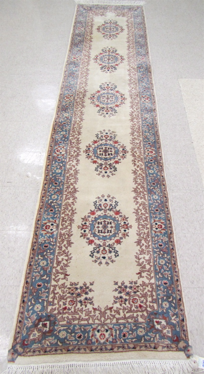 A CONTEMPORARY PERSIAN KERMAN RUNNER, Kerman Provi