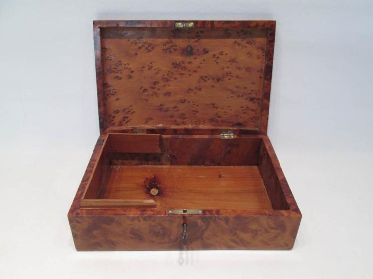 ENGLISH BIRD'S EYE MAPLE BOX, late 19th century wi