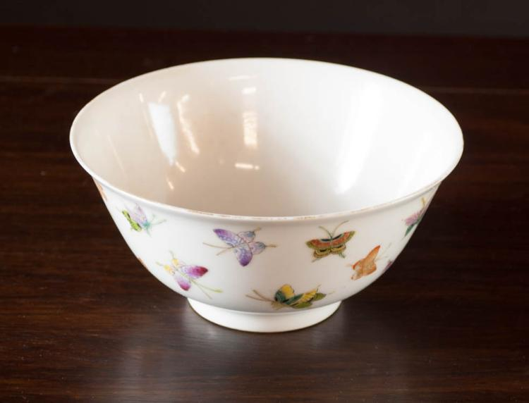 CHINESE FAMILLE ROSE PORCELAIN BOWL, finely hand e