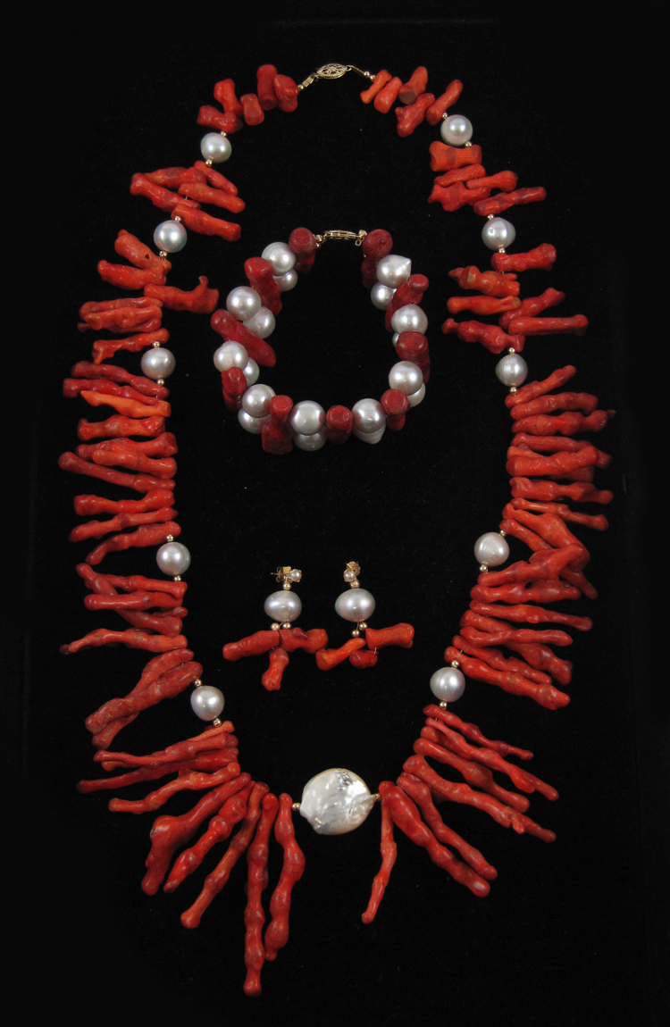FOUR ARTICLES OF BRANCH CORAL AND PEARL JEWELRY, i