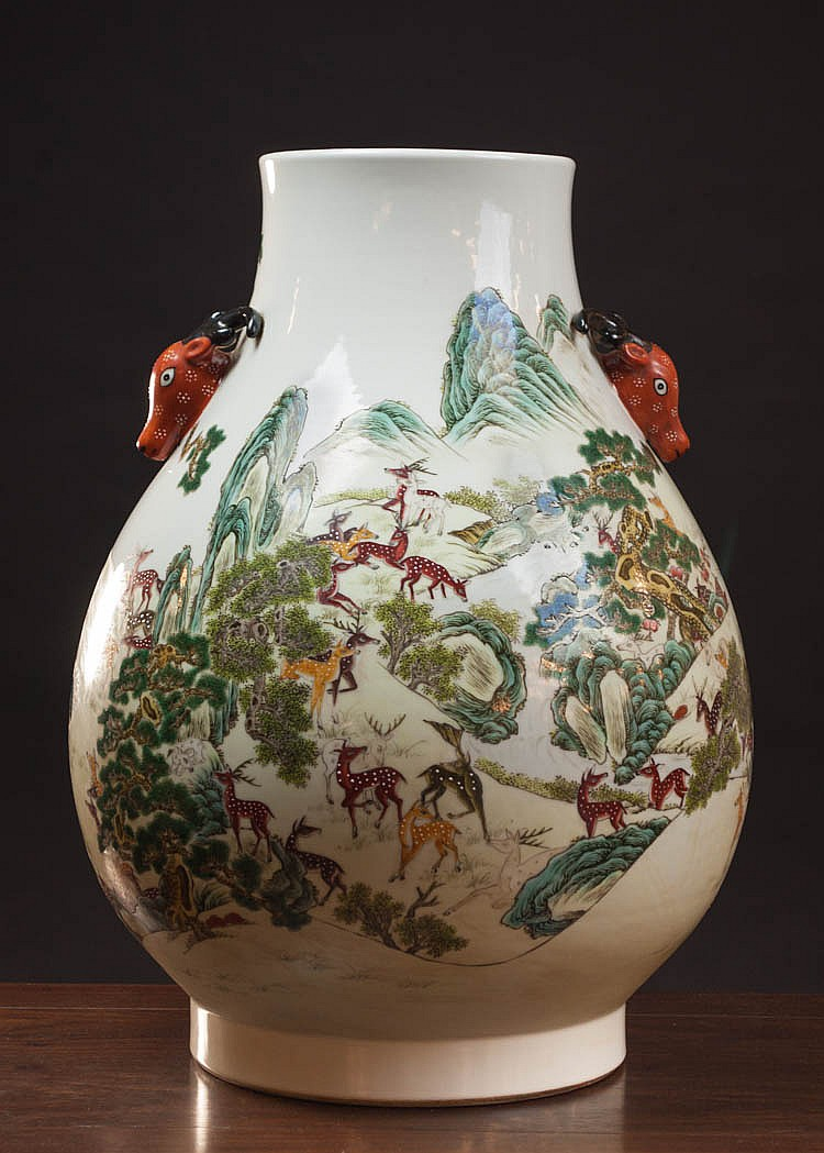 LARGE REPUBLIC CHINESE PORCELAIN VASE: hu form wi