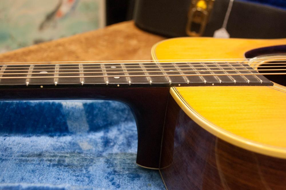 MARTIN MODEL D-28 ACOUSTIC GUITAR, six string desi