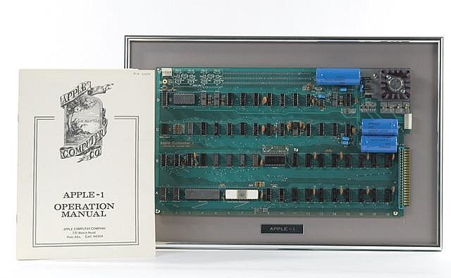 AN APPLE I (APPLE-1) EARLY PERSONAL COMPUTER WITH