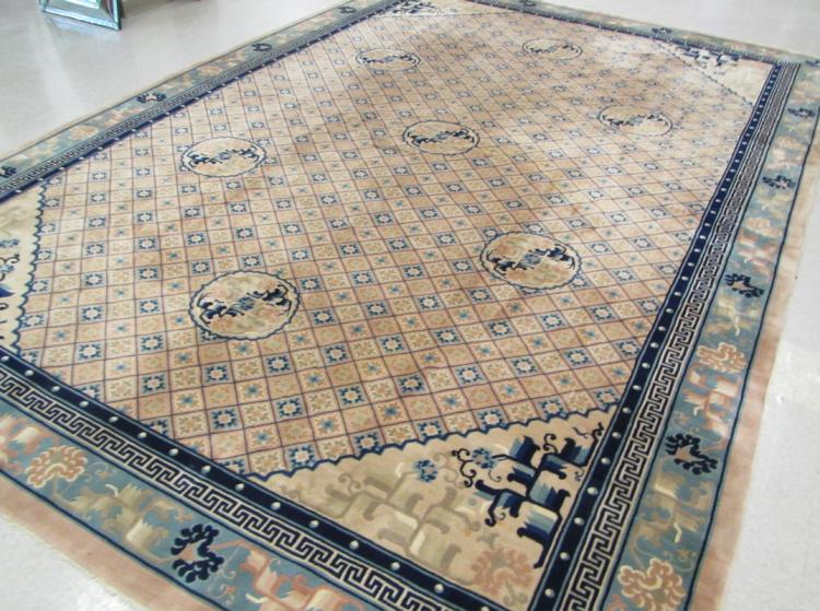 HAND KNOTTED CHINESE CARPET, traditional Peking de