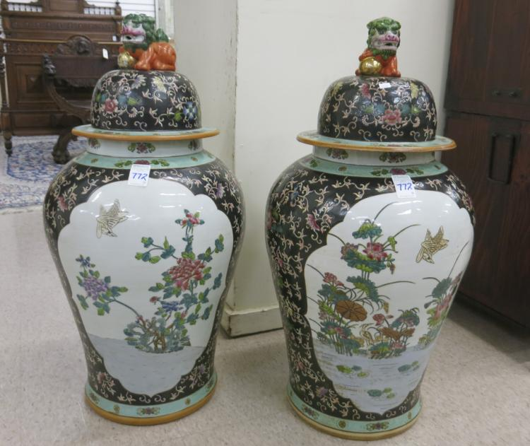 A PAIR OF CHINESE EXPORT PORCELAIN FLOOR JARS, Fam