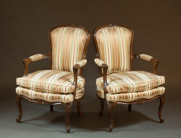 A PAIR OF LOUIS XV STYLE FAUTEUILS, French, 20th c