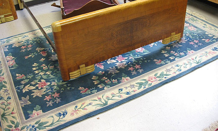CONTEMPORARY CHINESE CARPET, hand knotted in a