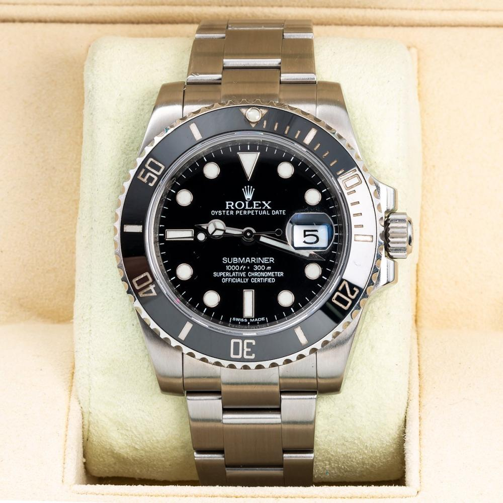 ROLEX OYSTER SUBMARINER DATE 116610LN 40MM BLACK DIAL