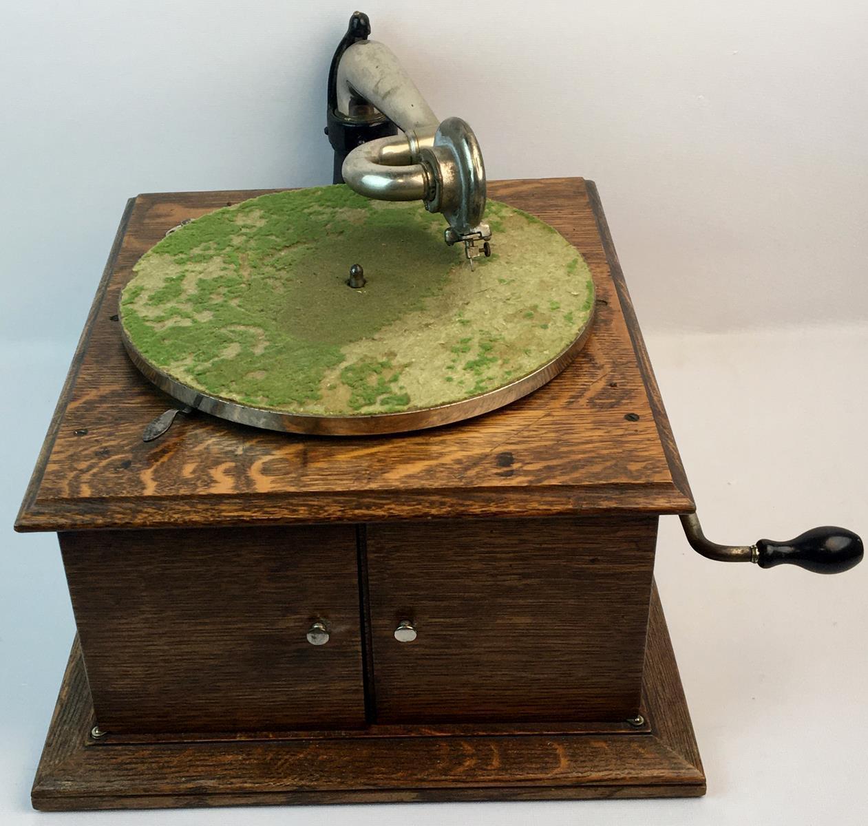 Antique 1917 Victor Victrola VV-IV Talking Machine Quartersawn Oak Table Top Phonograph WORKS