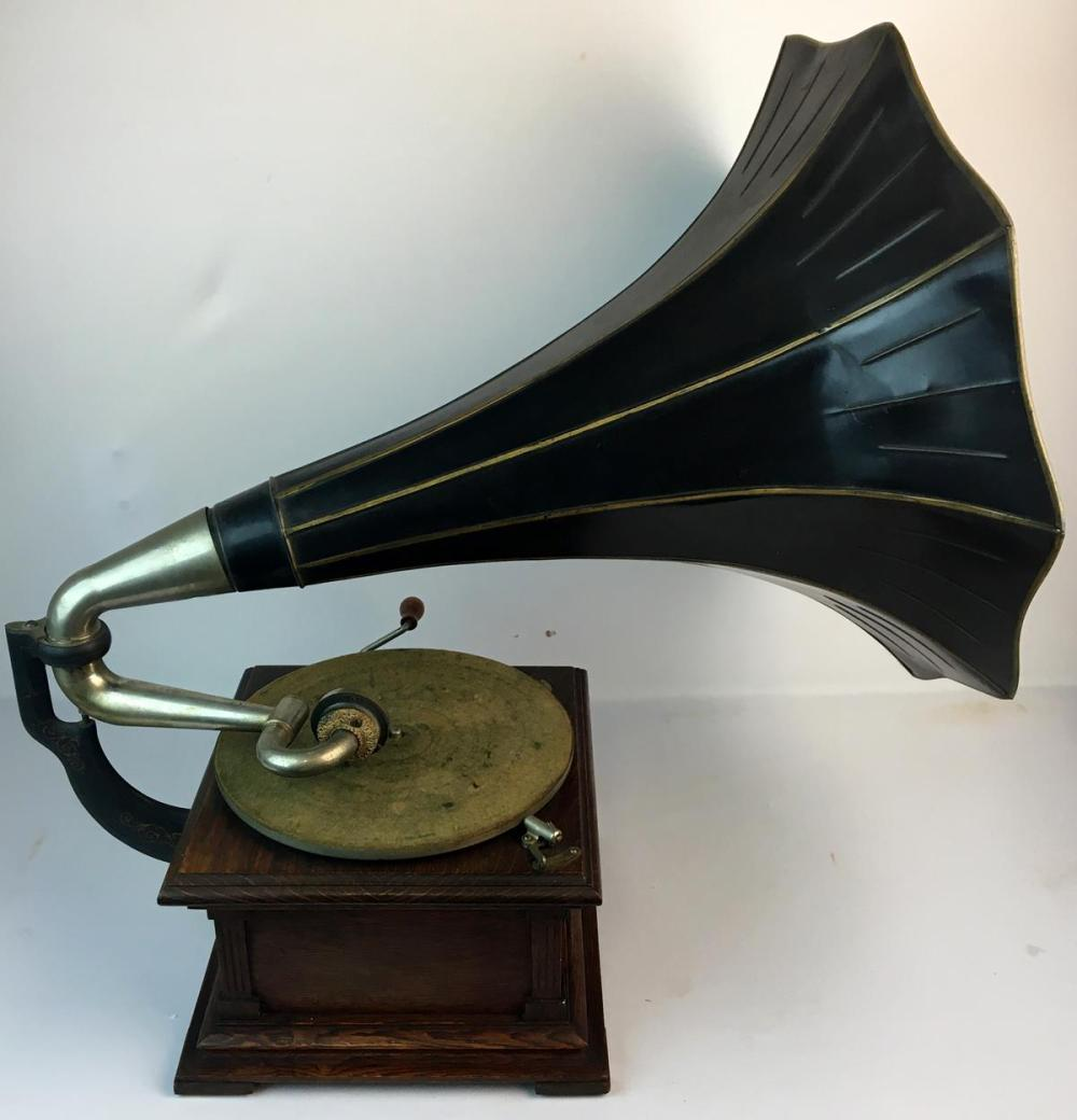 RARE Antique 1906 Victor VIC ll (two) Talking Machine Gramophone w/ 22