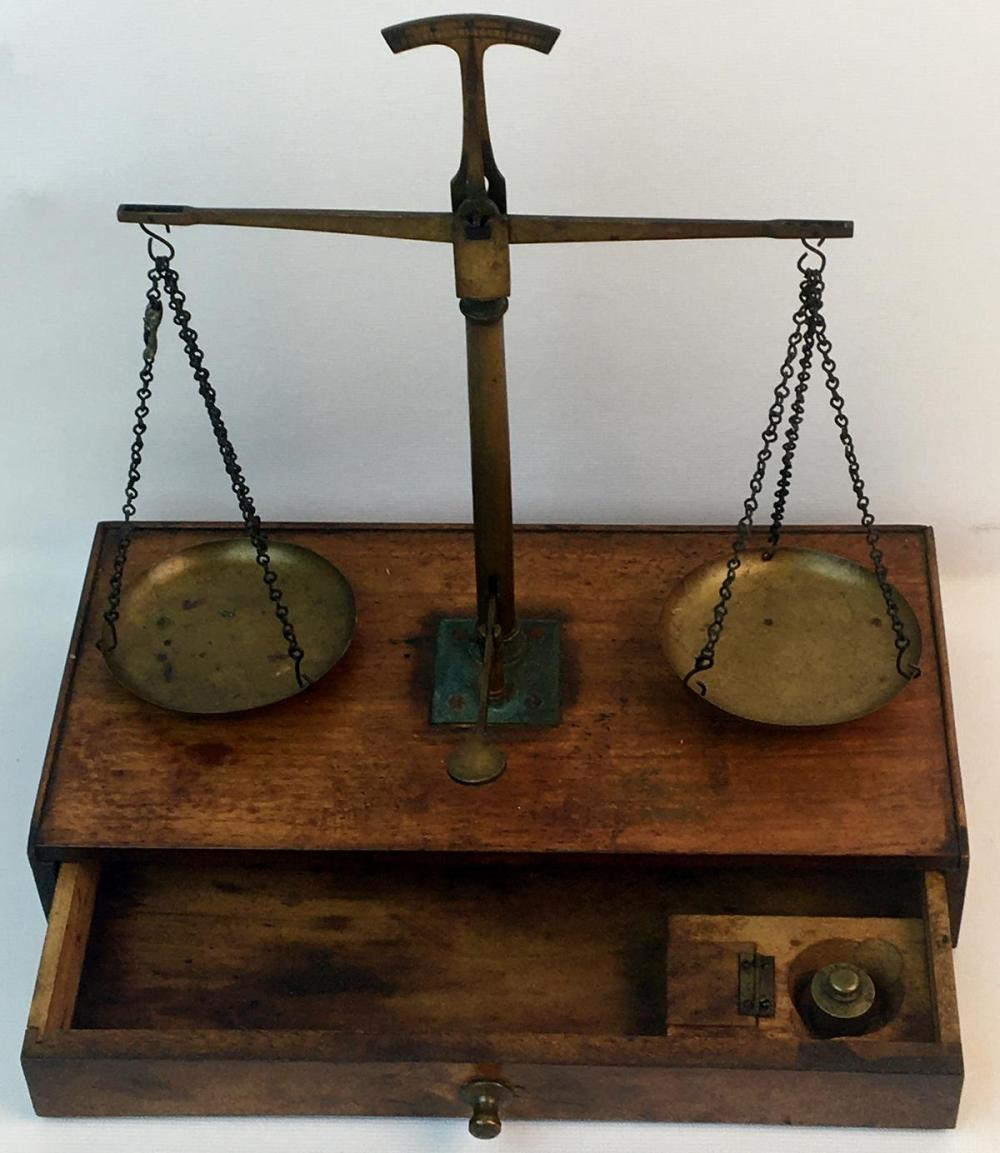Antique French Victorian Charpentier A. Paris Brass & Wood One Drawer Balance Scale w/ Weights