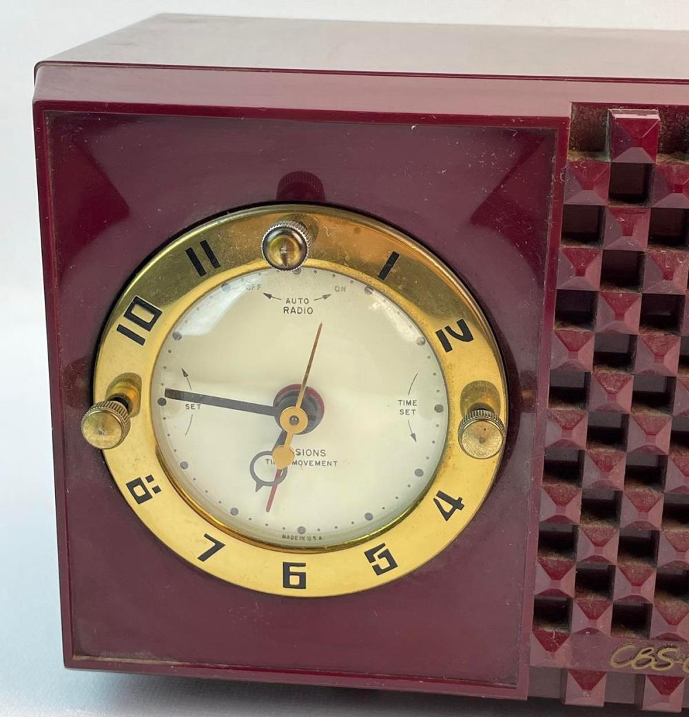Vintage 1953 CBS Columbia Model 542 Tube Mid Century Retro Maroon Bakelite AM Clock Radio WORKS