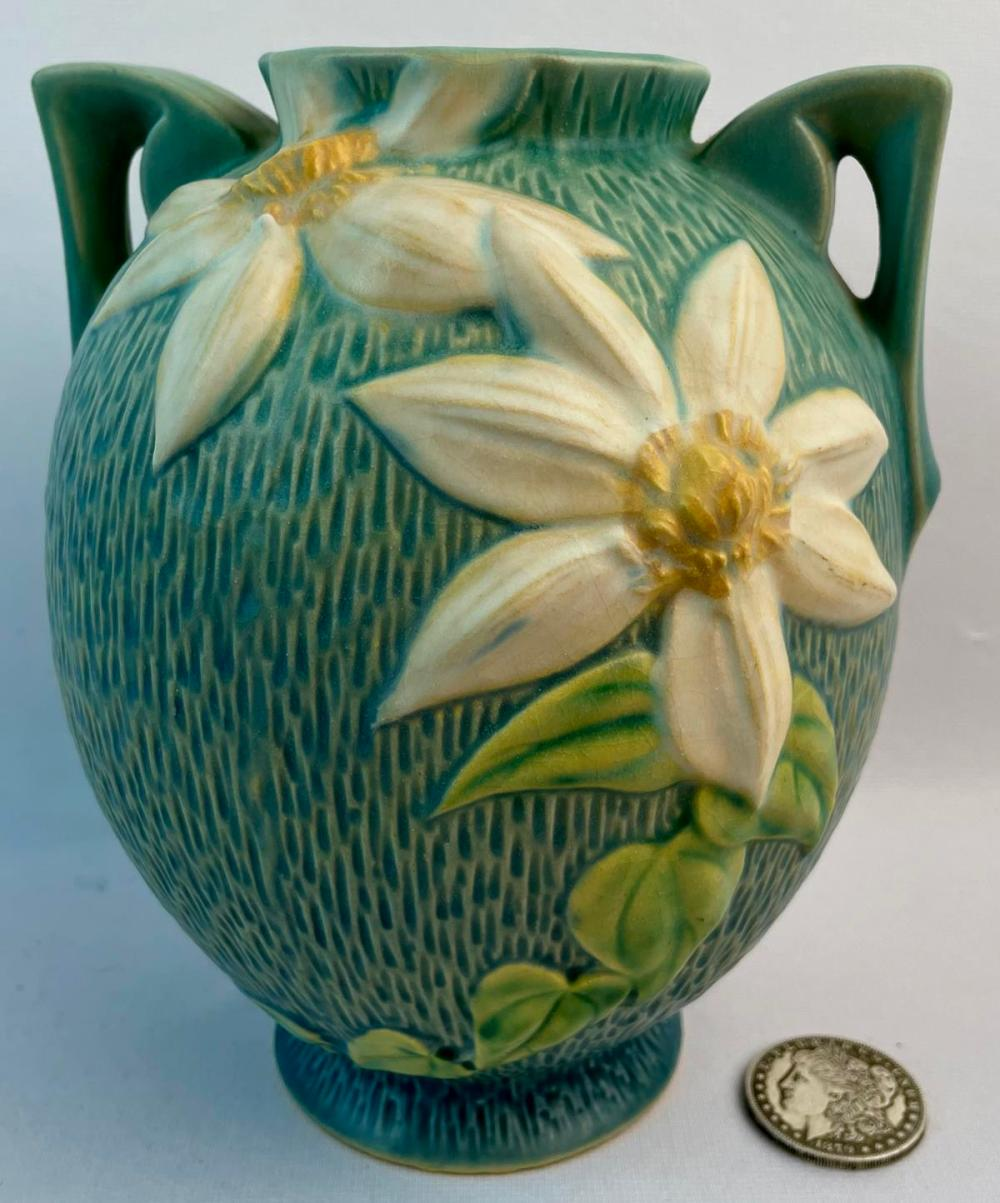 """Vintage c. 1944 Roseville White Clematis Blue w/ White Flowers #107-8"""" Two Handle Art Pottery Vase"""