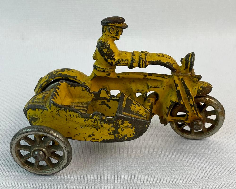 RARE Antique c. 1920 Hubley Yellow Cop Motorcycle w/ Side Car and Nickel Wheels