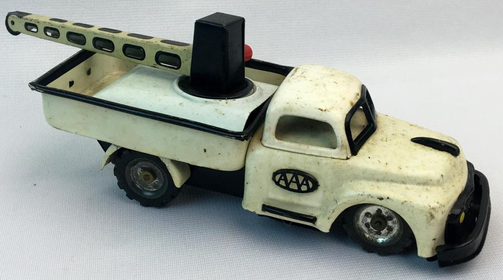 Vintage 1954 SSS Japan Tin Friction AAA Wrecker Tow Truck WORKS