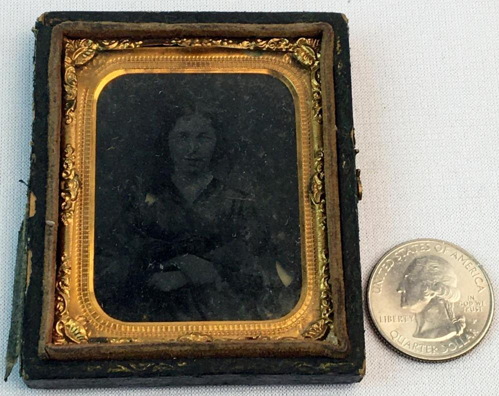 Antique c. 1860 Young Woman w/ Tinted Cheeks 1/9th Plate Half Black Lacquer Case Ambrotype Photograph