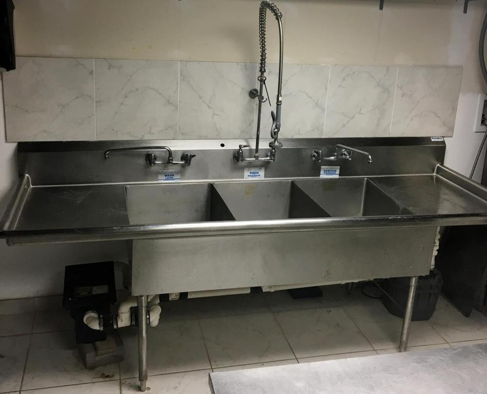 Amtekco 3-Bay Stainless Steel Commercial Sink