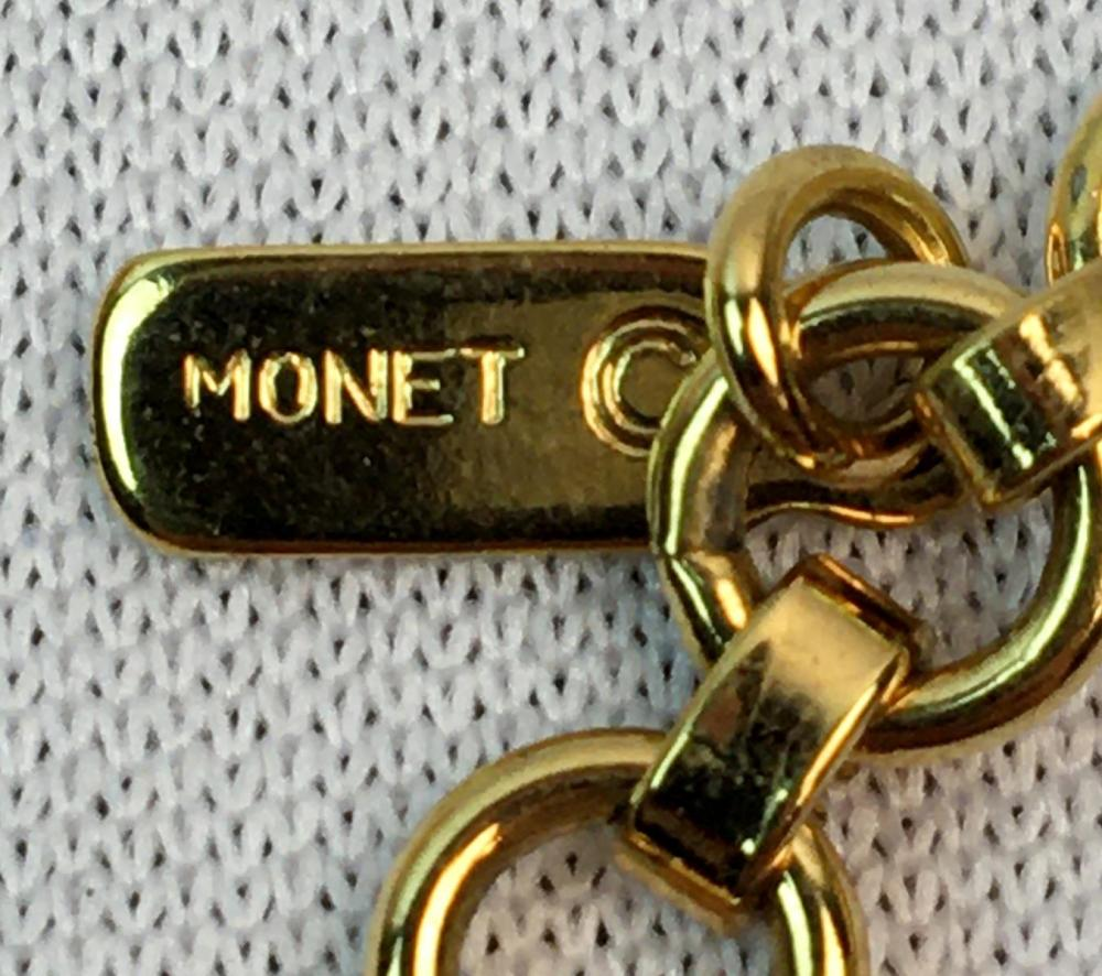 Vintage Signed Monet Gold Tone Necklace
