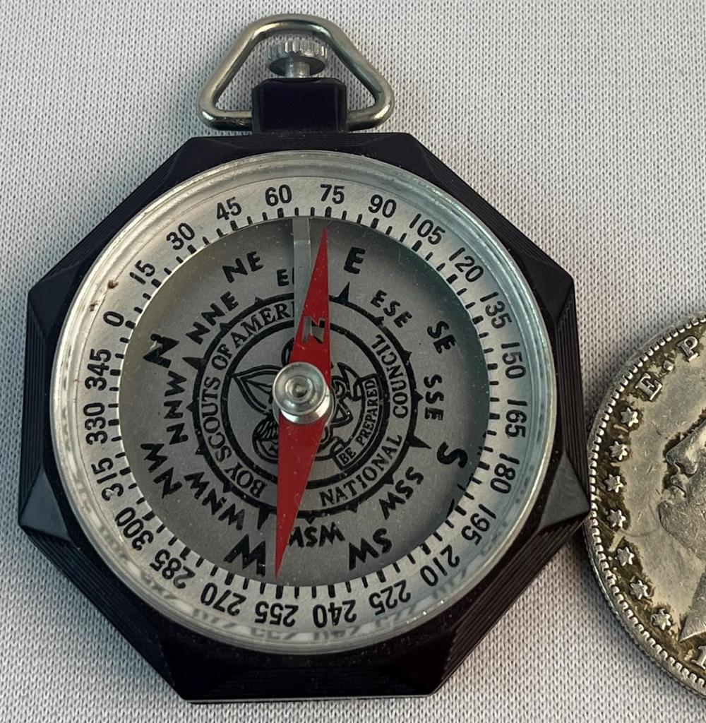 Vintage c. 1940 Boy Scouts of America Bakelite Compass