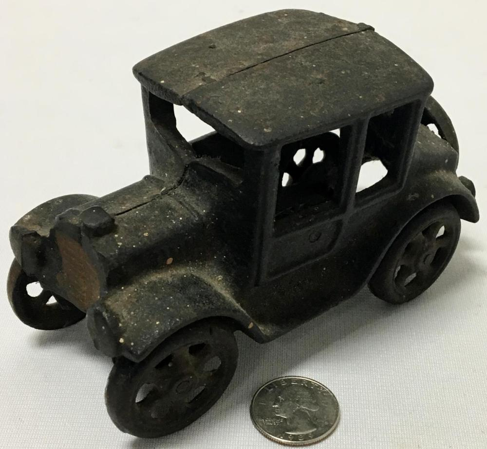 Vintage Cast Iron Model T Ford Coupe Toy Car Black w/Gold Radiator