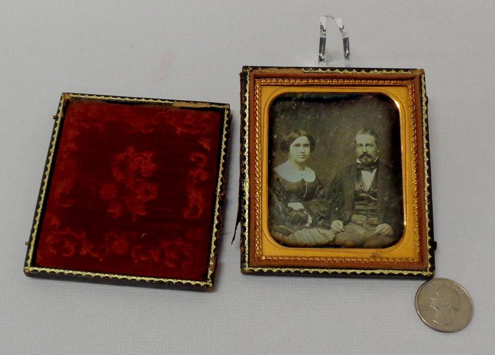Antique c. 1850 Couple in Fancy Clothes 1/6 Plate Full Case Daguerreotype