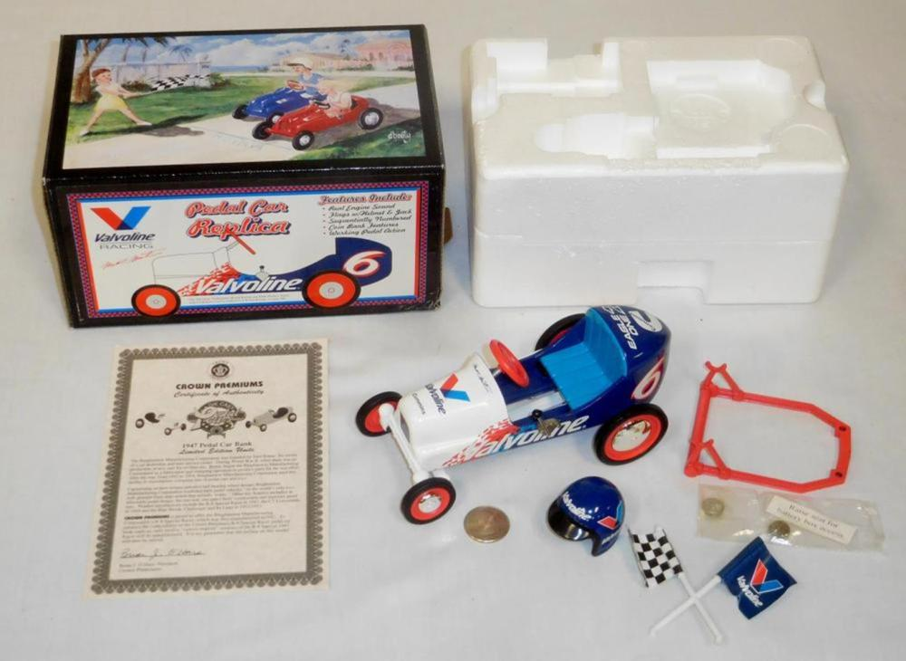 1997 Crown Premiums Valvoline #6 Mark Martin 1947 Pedal Car Bank w/ COA & Box COMPLETE