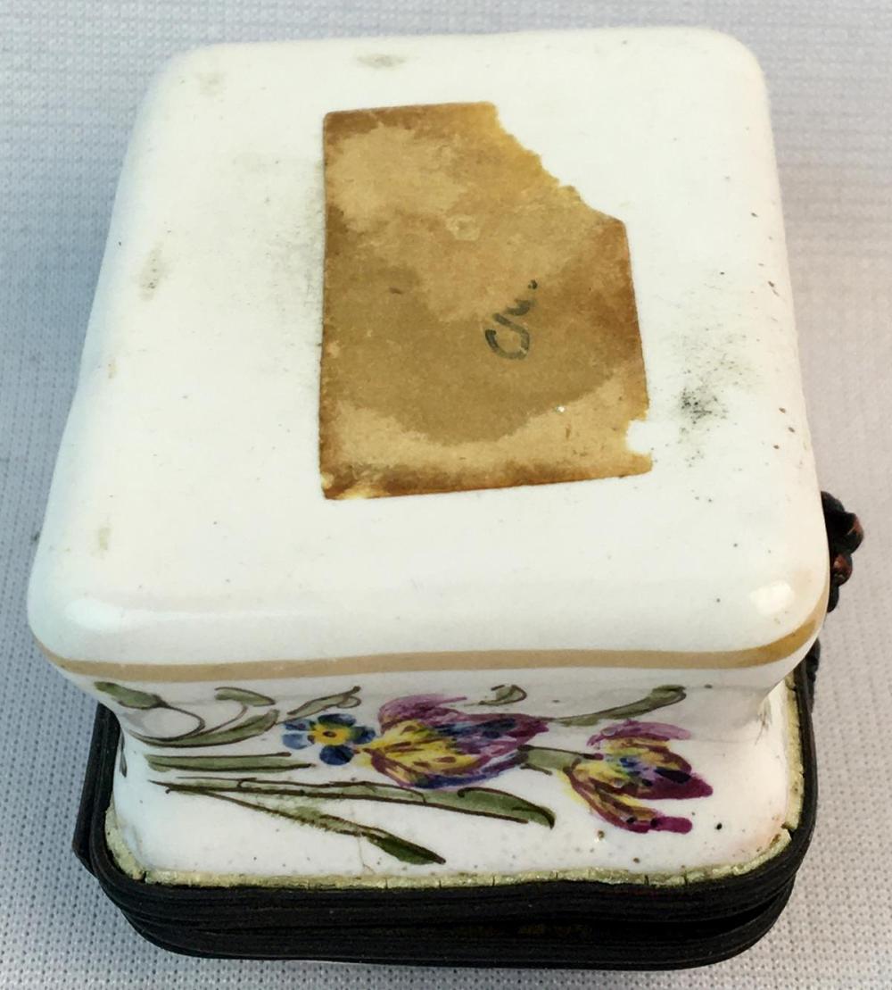 Antique Painted Renaissance Couple and Floral Porcelain Small Trinket Box