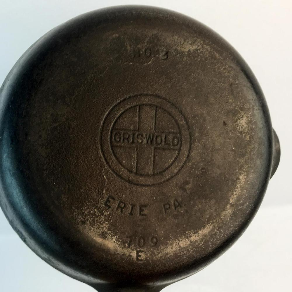 Vintage Griswold Cast Iron Skillet No. 3 Skillet Small Logo 709E w/ Late Handle