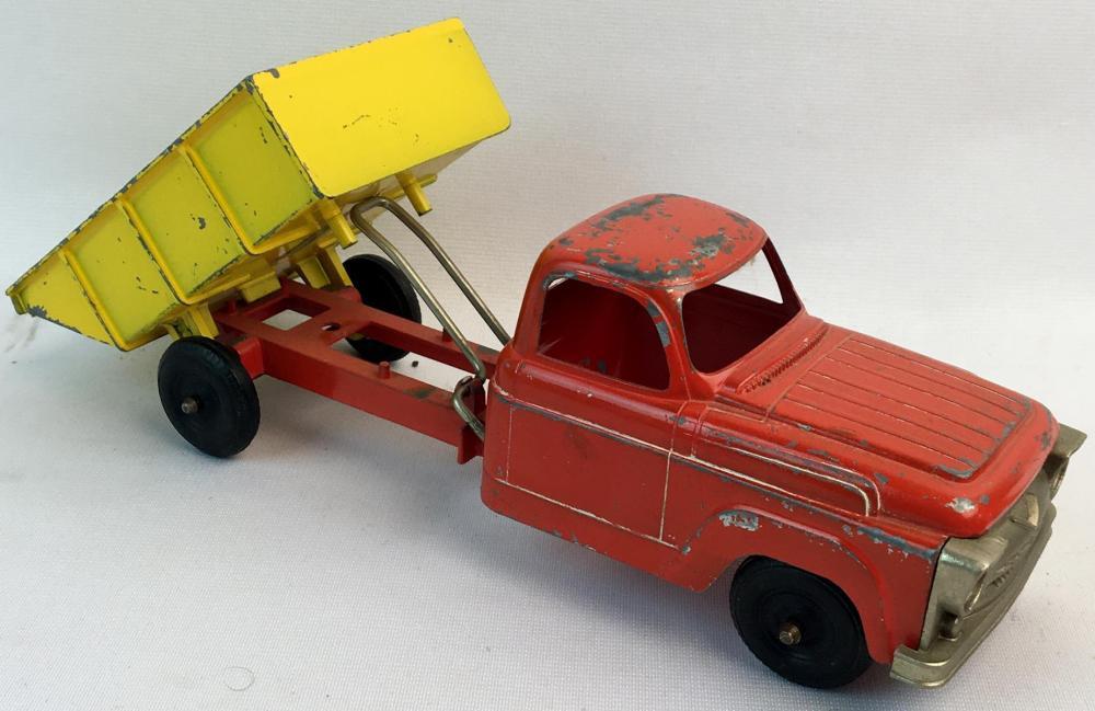 Vintage 1950's Hubley 470-58 Red & Yellow Metal Dump truck