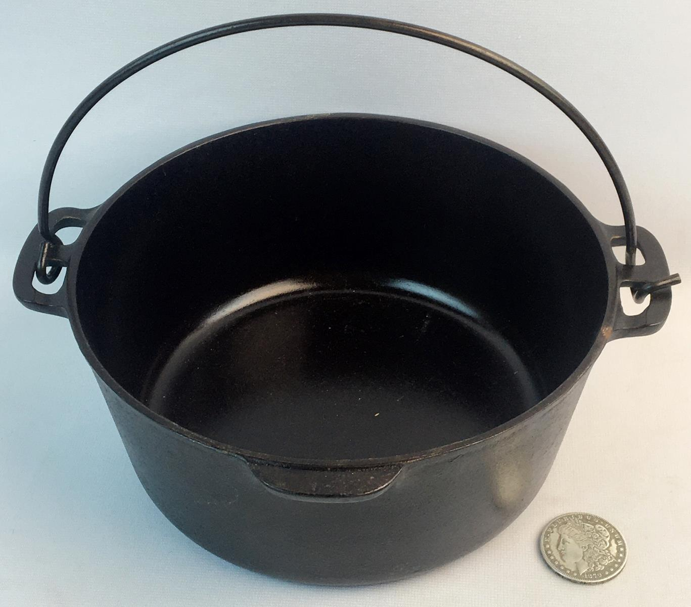 RARE Vintage c. 1920 Wagner Sidney O. No. 7 Cast Iron Dutch Oven