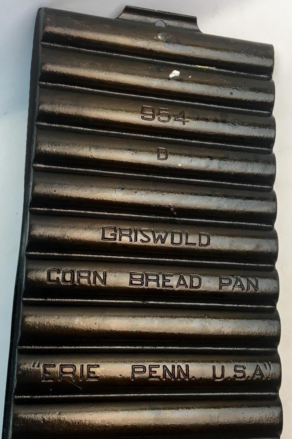 Antique Griswold Cast Iron Corn Stick Bread Pan 954 D w/ 11 Forms