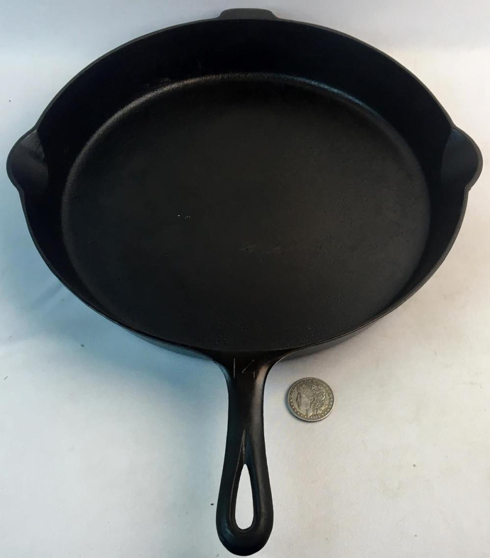 Vintage c. 1930 Griswold #14 Cast Iron Skillet 718A Large Block Logo EPU Heat Ring