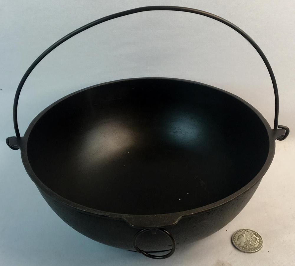 Antique c. 1920 Griswold Erie No. 783 Cast Iron Scotch Bowl w/ Large Slanted Logo