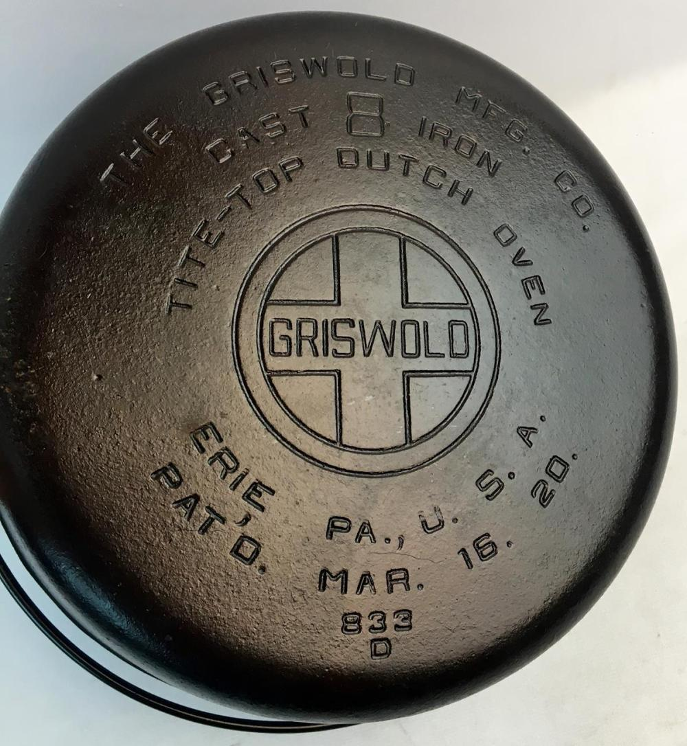 Vintage Griswold No.833 D Tite Top Cast Iron Dutch Oven w/ Large Block Letter Logo