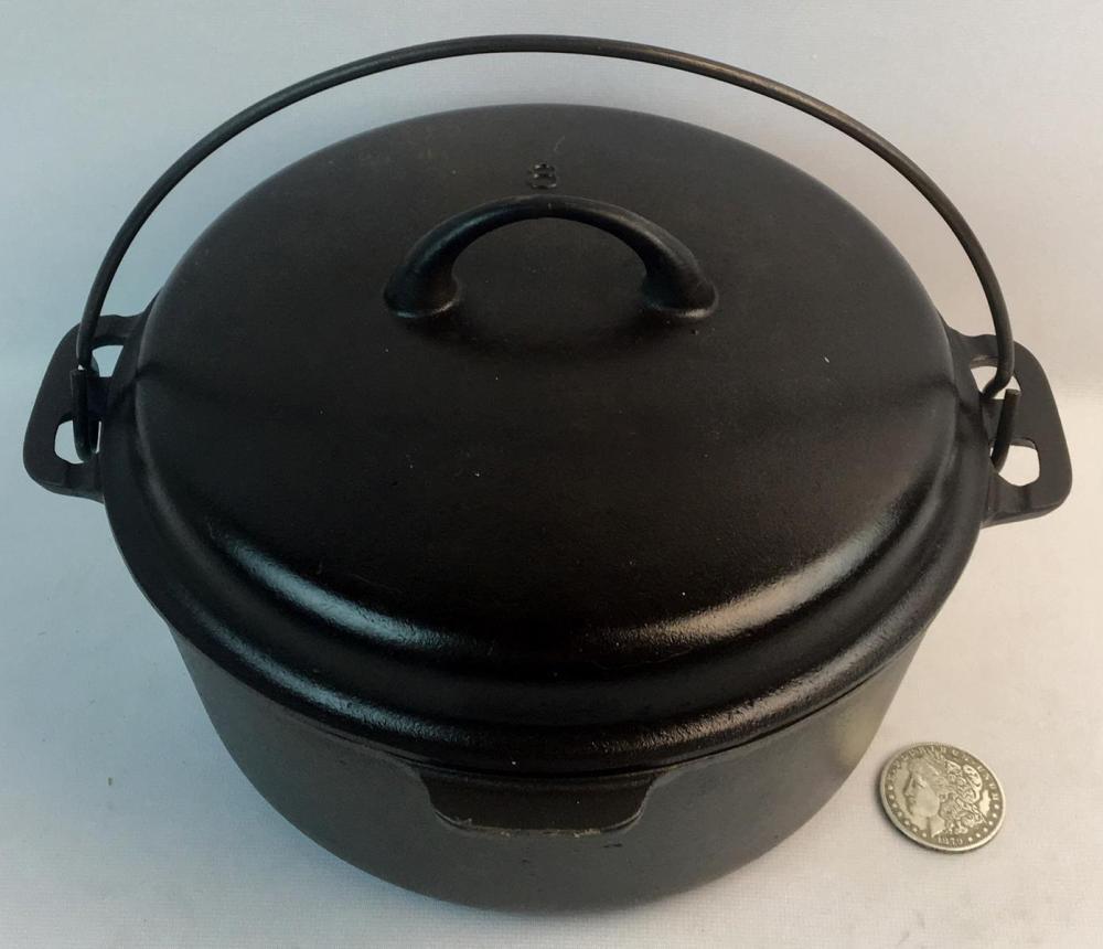 Vintage c. 1940 Griswold Cast Iron Mountain Dutch Oven No. 8 P/N 1036A w/ Lid 1037
