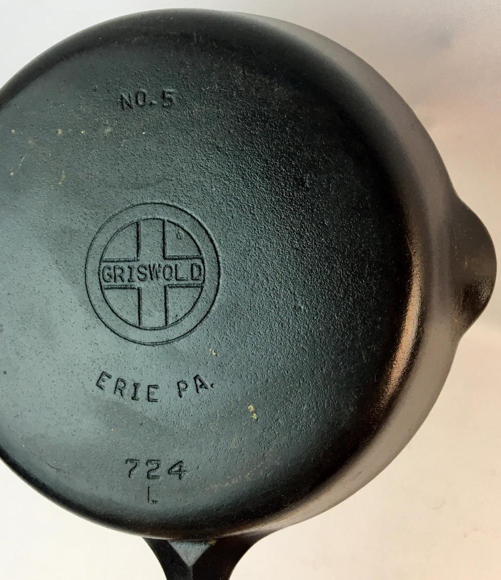 Vintage Griswold Erie No. 5 Cast Iron Skillet 724 L w/ Small Block Logo