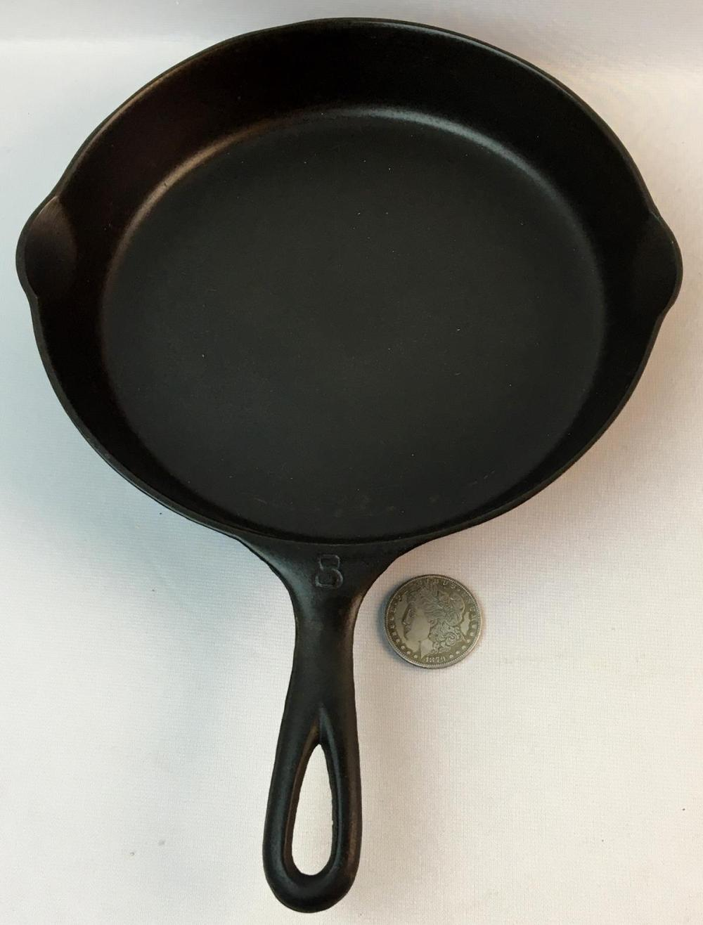 Vintage Victor Griswold No. 8 Cast Iron Skillet 722 w/ Heat Ring