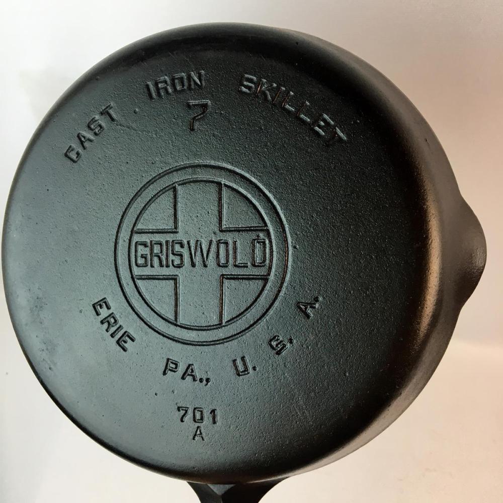 Vintage Griswold Erie No. 7 Cast Iron Skillet 701 A w/ Large Block Logo