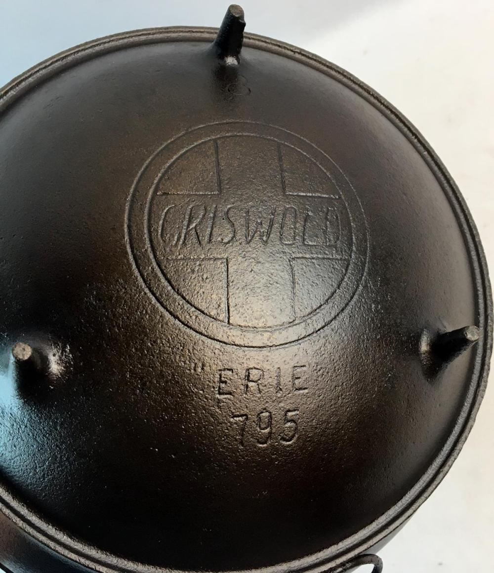 Antique c. 1920 Griswold Erie No. 8 Cast Iron 3 Footed 795 Bean Pot w/ Slant Logo and Handle